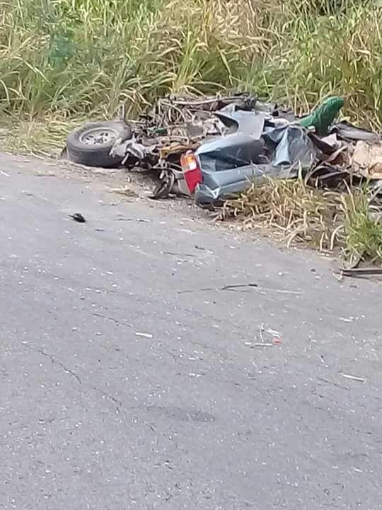 TRAGEDIA EN LA CHETUMAL-ESCÁRCEGA: Mueren 4 personas al chocar pipa contra camioneta