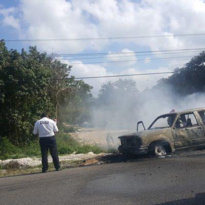 Se incendia vehículo en la Riviera Maya