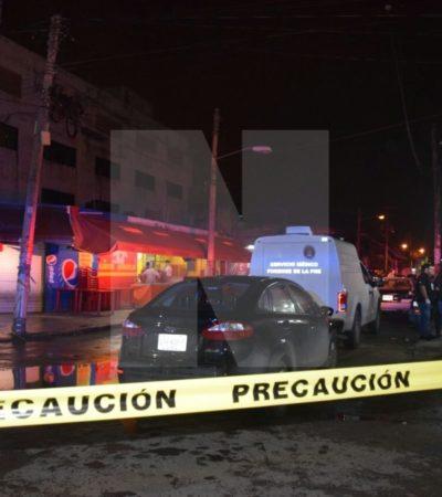 MUERTOS Y HERIDOS EN ATAQUE A BAR EN CANCÚN: Saldo preliminar de tres muertos y cuatro heridos sobre la Avenida Portillo de Cancún