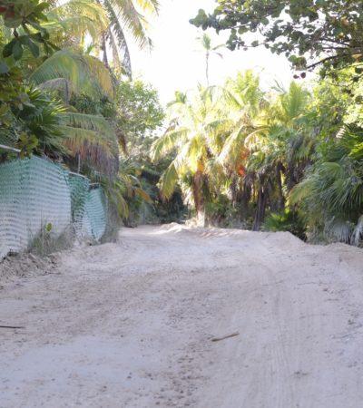 Inicia reparación de puntos críticos en el camino hacia Punta Allen