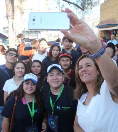 RECORRE EL MERCADO 23 DE CANCÚN EN BUSCA DE FIRMAS: Indigna a Margarita Zavala retención de recursos a Chihuahua denunciada por su Gobernador