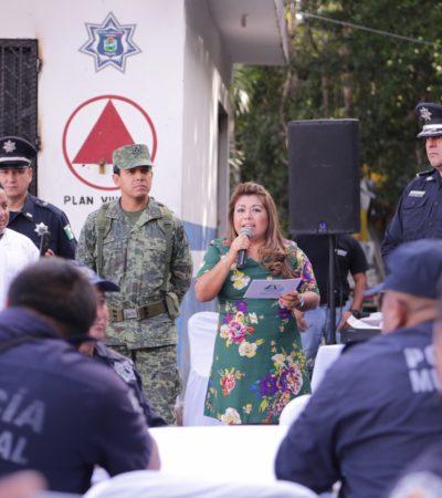 FESTEJA ALCALDESA DÍA DEL POLÍCIA: Entregan equipamiento de radios y un bono en Tulum
