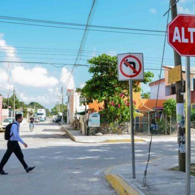 Colocan en las colonias Zetina Gasca y 23 de Enero señales preventivas y de orientación para los automovilistas