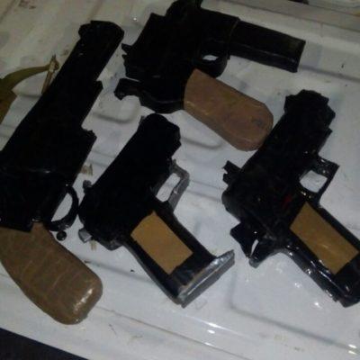 Agarran a menor con 'armas' de cartón en Lázaro Cárdenas