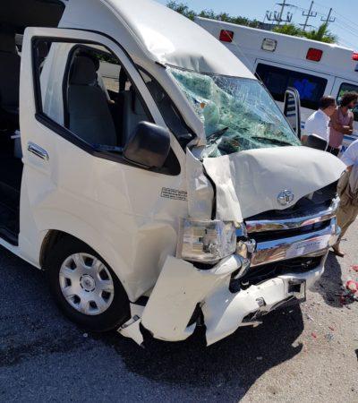 FUERTE ACCIDENTE EN LA CARRETERA: Embiste van turística a Urvan foránea en Akumal; 5 heridos