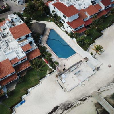 CONSTRUYEN SOBRE LA PLAYA EN CANCÚN: Denuncian obras en zona federal marítimo terrestre en el fraccionamiento Villas Pescadores | VIDEO
