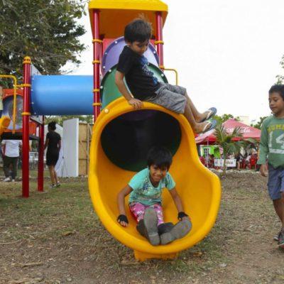 Equipan gobierno e iniciativa privada dos parques públicos en Solidaridad
