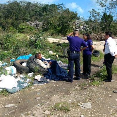 """""""¡AQUÍ ME QUEDO SOLO!"""": Autoridad se declara incompetente para atender a indigente de basurero"""