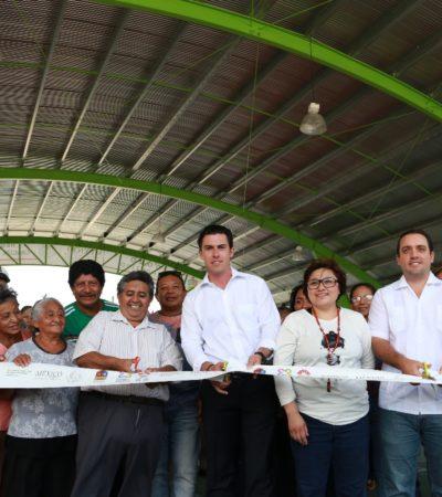 Entrega Alcalde domo deportivo en la SM 103 de Cancún