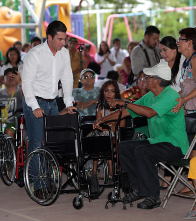 Entrega Alcalde apoyos para personas en situación de vulnerabilidad en Cancún