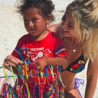 La foto de la modelo argentina Stephanie Demner que mostró lo que no quieren ver los mexicanos: explotación infantil, racismo y linchamientos cibernéticos
