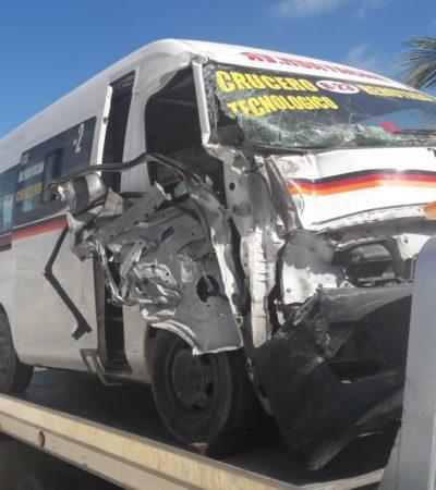 APARATOSO ACCIDENTE FRENTE A PLAZA LAS AMÉRICAS: Urvan y camión del transporte público chocan con saldo de 9 heridos en Cancún