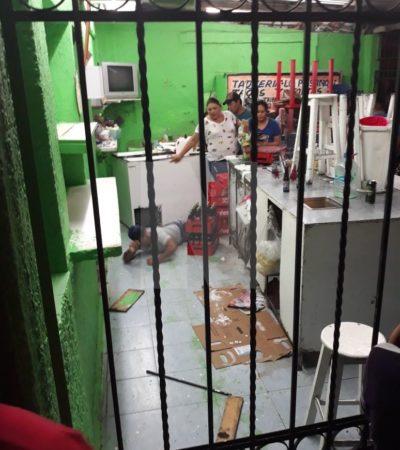 DOBLE INTENTO DE EJECUCIÓN EN CANCÚN: Balean a dos hombres en una taquería de la Región 95