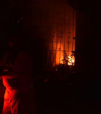 Incendian casa abandonada en la Región 221 de Cancún