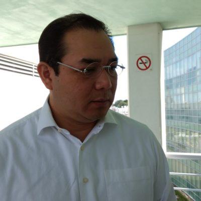 Desecha Rector de la Uqroo rumores de renuncia