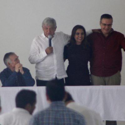 LE TIRA AMLO SUS 'DARDOS' AL SEGUNDO: Ricardo Anaya está 'manchado de corrupción', dice candidato de Morena desde Cancún