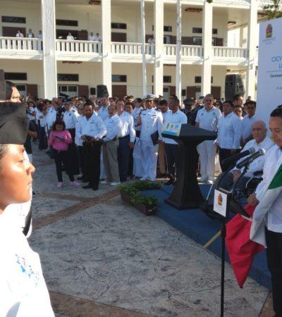 Encabeza Gobernadorceremonia del Día de la Bandera en Chetumal