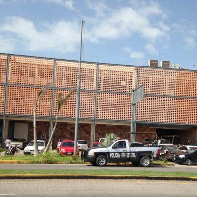 Amenazan cubanos amenazan con motín en Migración