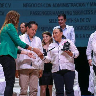 Más de dos mil trabajadores del Ayuntamiento de Solidaridad están siendo inscritos a las prestaciones de salud a través del IMSS y vivienda por parte del Infonavit