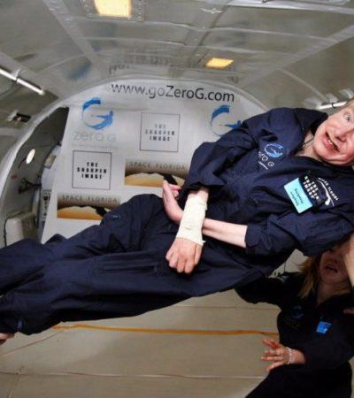 SE APAGA UNA DE LAS MENTES MÁS BRILLANTES EN MUCHO TIEMPO: A los 76 años fallece Stephen Hawking, el astrofísico y divulgador que expandió nuestra visión del universo desde una silla de ruedas