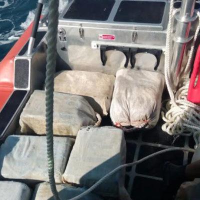 GOLPE AL NARCOTRAFICO EN EL CARIBE MEXICANO: Decomisa Semar embarcación con 290 kilos de cocaína al norte de Puerto Aventuras