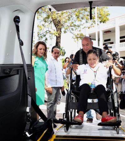 Entrega Carlos Joaquín en Chetumal 15 vehículos para atender a 3 mil personas con discapacidad