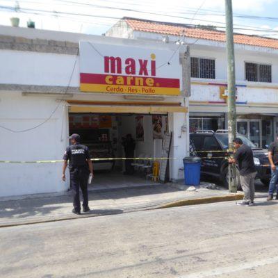 NO PUDIERON NI SABOREAR LA 'CHULETA': Asaltan 'Maxicarne' en Playa del Carmen, pero policías detienen a los ladrones y recuperan el botín