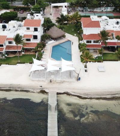 """""""NO AL ROBO DEL ESPACIO PÚBLICO"""": Presentan denuncia colectiva ante Profepa por construcción de bar sobre la playa en Villas Pescadores en Cancún"""