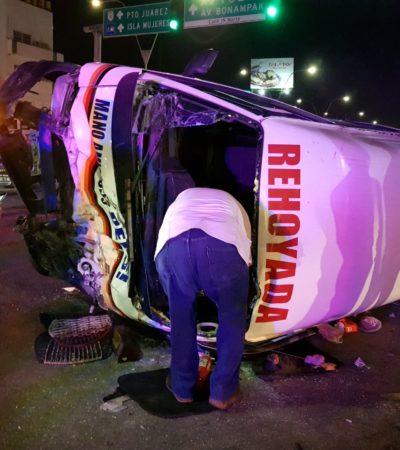TREMENDO ACCIDENTE EN LA PORTILLO: Choca patrulla contra combi del transporte público con saldo de al menos 6 heridos