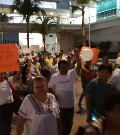 MARCHAN EN COZUMEL A FAVOR DE BARCOS CARIBE: Realizan manifestación para pedir el regreso de la naviera de Borge suspendida tras explosión en Playa del Carmen