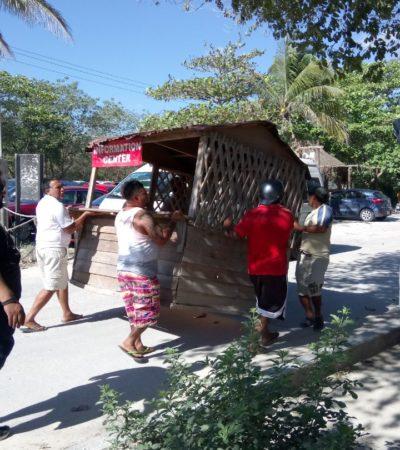 CONFLICTO EN AKUMAL | POBLADORES BLOQUEAN ACCESO, POLICÍAS VIGILAN: La playa no se cierra, se retiran ambulantes, afirma representante hoteleros