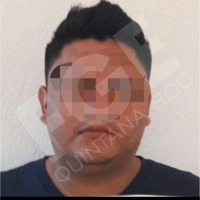 Por el robo de un vehículo dos jóvenes, detenidos por la FGE, reciben prisión preventiva
