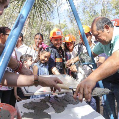 Coloca Alcaldesa primera piedra de Escuela de Música en Puerto Aventuras