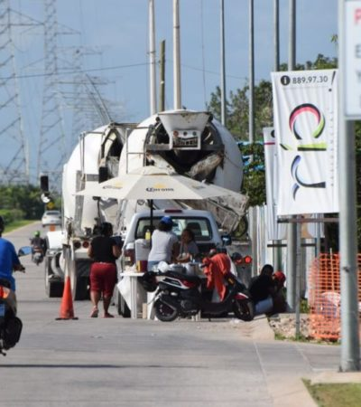Taquero se 'adueña' de un carril en la Huayacán