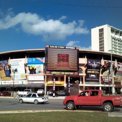 Comité de Imagen Urbana de Cancún quitará anuncios, lonas y pantallas que 'afean' la ciudad