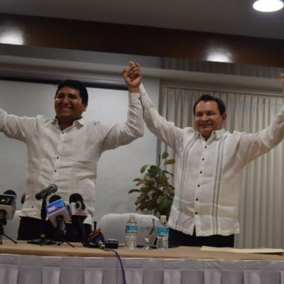 TERMINA EL COQUETEO DEL 'HUACHO': El ex panista Joaquín Díaz Mena se va con Morena para ser candidato a la gubernatura o al Senado en Yucatán