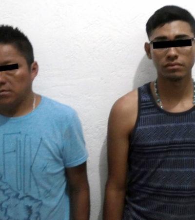 Tras persecución, policía municipal detiene a dos hombres con arma y droga en la SM 252