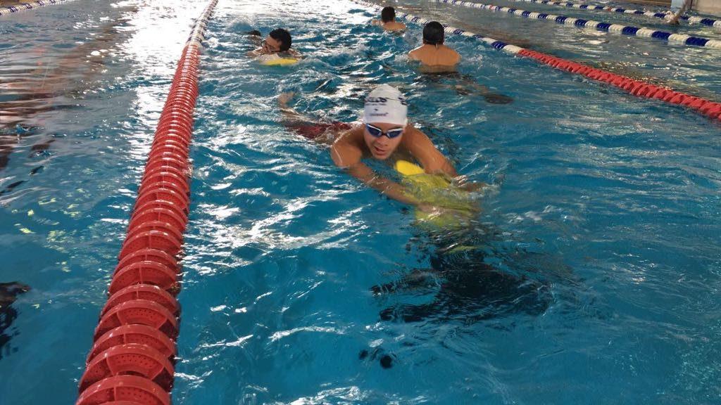 Tritón cancunense nadará en Brasil para mantener nivel internacional