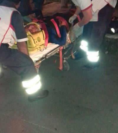 Choque entre moto y coche deja dos heridos