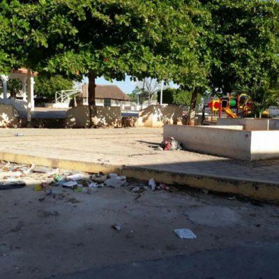 Ambulantes dejan lleno basura parque de Tihosuco, patrimonio cultural de Quintana Roo
