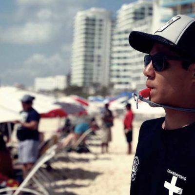 Refuerza Protección Civil vigilancia en las playas públicas de Cancún por arribo masivo de bañistas