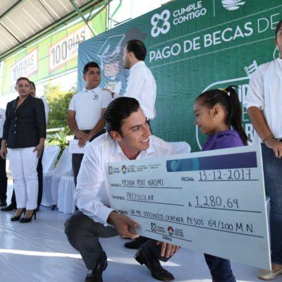 Procuran atención integral a beneficiados en programas de becas en Benito Juárez