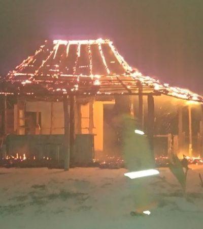 Consume incendio una vivienda en Mahahual