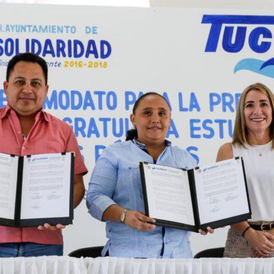 Brinda Cristina Torres servicio de transporte gratuito para estudiantes en Playa del Carmen