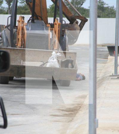 Muere trabajador aplastado por una 'mano de chango' en nuevo fraccionamiento en Cancún