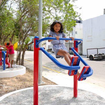 Inauguran dos parques en Misión de las Flores y Las Palmas e inician instalación de luminarias sobre la Prolongación Colosio de Playa del Carmen