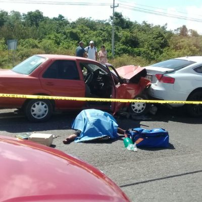 Accidente vehicular cobra la vida de una persona en la vía Cancún-Playa