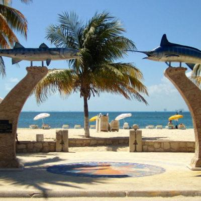 Incluyen a dos playas de Isla Mujeres en la lista de las 10 menos limpias de México