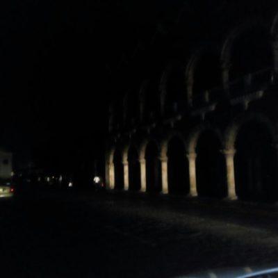 Apagón por lluvias deja en la oscuridad el centro de Mérida