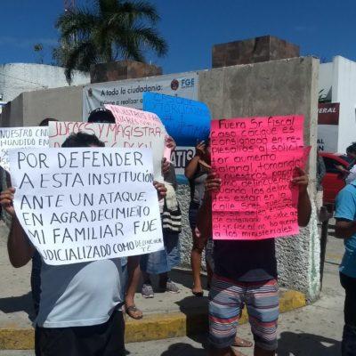 PROTESTA EN LA FISCALÍA POR EL CASO CASIQUE: Trabajadores y familiares reprochan supuestas órdenes de aprehensión contra presuntos torturadores del hombre que, tras varios años en prisión, fue ejecutado en Cancún